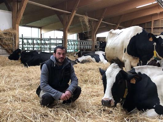 A la rencontre de Quentin Chaume, éleveur bio à Ambert (43), fier de recycler ses bidons lessiviels